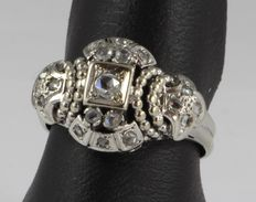 White gold Art Deco ring, set with rose cut diamonds, ca. the 1930s