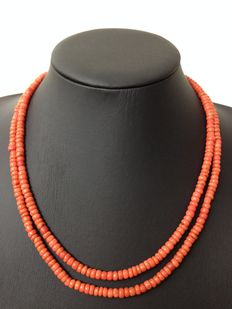 Old Dutch red coral necklace, 2 strands, with silver clasp