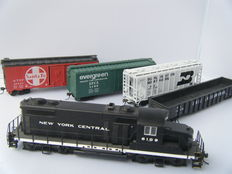 Life Like/Bachmann H0 - Diesel locomotive New York Central 6109 with American carriages