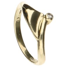 Yellow gold ring set with 1 brilliant cut diamond of approx. 0.002 ct