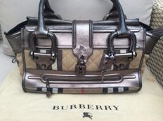 Burberry – house check quilted canvas large manor bag