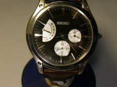 "seiko men's ""rare"" day/date and 24 hour showing  5Y66-0AB0"