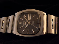 Seiko 5 – Men's wristwatch – circa 1990