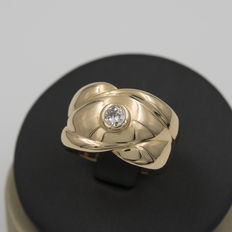 Wide yellow gold ring with brilliant cut central diamond – Ring size: 18 (Spain)