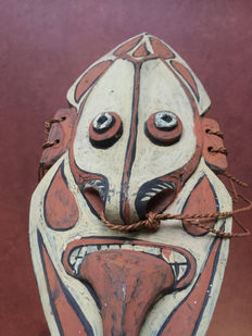Mythical ancestor mask - Lower Sepik - Papua New-Guinea