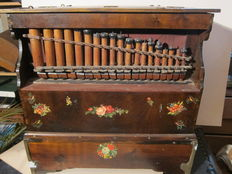 Harmonipan barrel organ