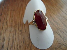 14 kt gold ring with carnelian (1940s)