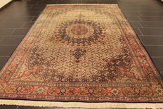Royal hand-knotted Persian carpet, Moud Mut medallion, 205 x 315 cm, made in Iran around 1990