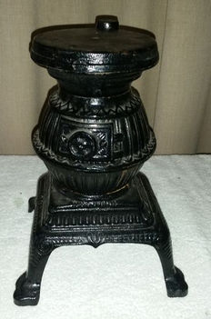 Mini round iron stove for decoration, 2nd half of 20th century