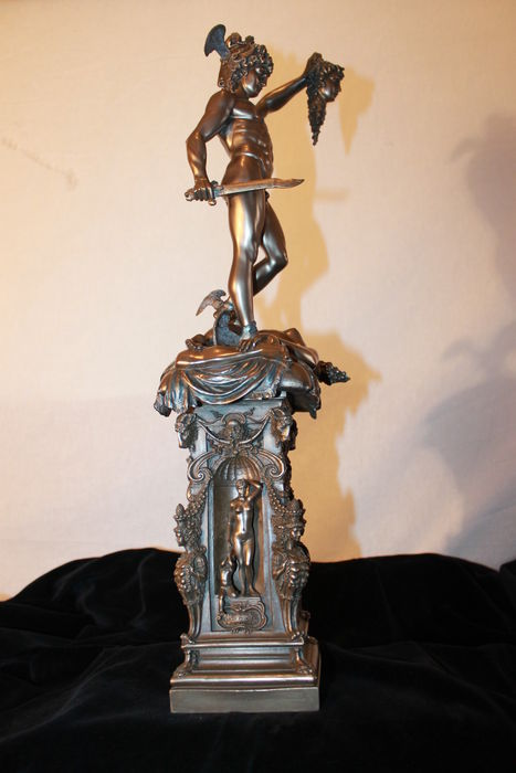 Bronze sculpture of Perseus on Medusa body with her head in his hand - 54 cm