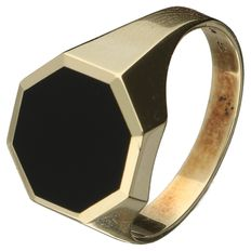 Yellow gold signet ring set with black jade