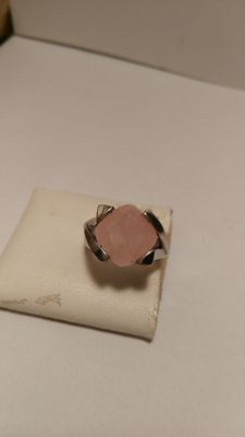 925/1000 silver ring, with rose quartz.
