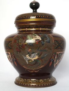 Large cloisonné lid jar with lining, with exceptionally refined decoration - Japan - first half 20th century