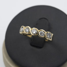Yellow gold engagement ring with brilliant cut diamonds – Ring size 14 (Spain)