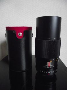 Auto Pentor zoom lens – f=200mm – 1:3.5 and diameter = 62mm (universal screw mount)