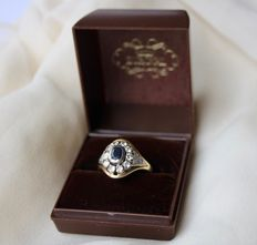 Antique 14 kt solid gold ring set with sapphire approx. 1 ct and 10 large natural diamonds approx. 1 ct + 6 smaller diamonds, in total more than 2 ct.