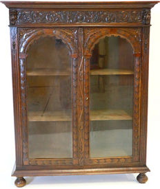 Mechelen oak Bookcase with doors, circa 1900, later provided with glass