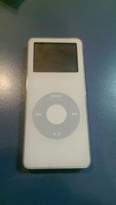 Apple iPod Nano 1st generation white 2GB