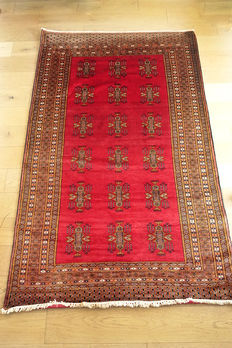 AUTHENTIC Fine Turkoman Buhara RUG    201 x 123cm circa 1990