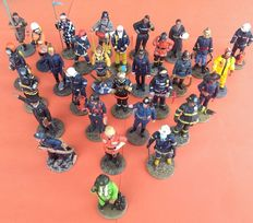 Collection of 30 firefighters of the world