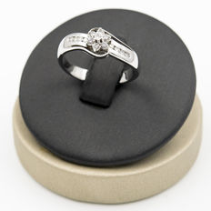 White gold ring with brilliant cut diamonds – Ring size: 16 (SP)