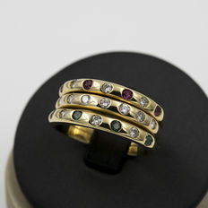 Wide yellow gold ring with brilliant cut diamonds, rubies and emeralds– Ring size 22 (Spain)