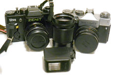 ZENIT: 2 cameras with teles and flash