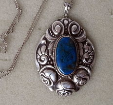 Silver pendant roses with lapis lazuli and necklace circa 1930