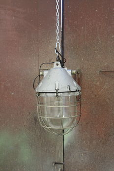 Unkown designer - Very Large industrial case lamp / bully lamp with shade
