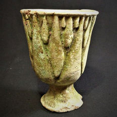 Egyptian New Kingdom / TIP green faience lotiform cup -  4,25 inch. = H 10,8 cm