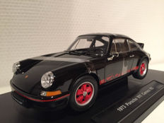 Welly - Scale 1/18 - Porsche Carrera 911 RS Black/Red