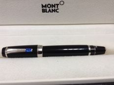 Montblanc extra large Boheme retractable fontain pen ,very rare , blue  stone , 14K F