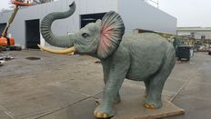 Gigantic large sculpture of an elephant - size: 3.90 x 2.30 x 2.70 m