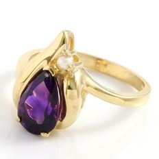 14kt Yellow Gold Ring  Set with 3.00 ct Amethyst and 1 mm dia Seed Pearl -  Size: 5.5 - K-1/2 ***no reserve***
