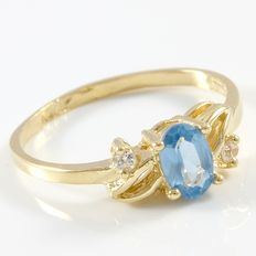 Estate 14kt Yellow Gold Ring  Set with Diamonds and Blue Topaz