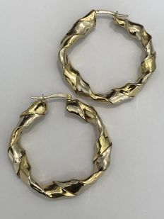 18 kt gold earrings, hoop torchon model