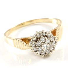 Estate 14kt Yellow Gold Ring Set with Diamonds 0,25ct