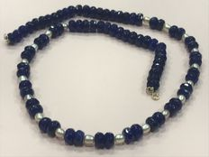 Sapphire and pearl necklace with gold