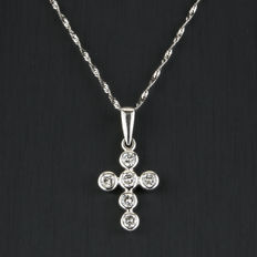 Gold choker with white gold cross pendant set with 6 brilliant-cut diamonds totalling 0.60 ct (approx.).
