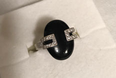 18 kt white gold Recarlo ring with diamonds and onyx - Size: 53
