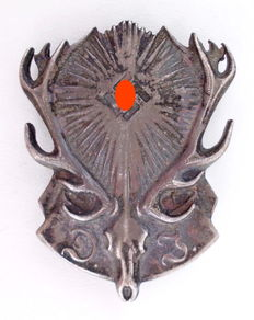 "Third Reich - Membership Badge of the ""Reichsbund Deutsche Jägerschaft"" (RDJ) (German Reich Hunting Association)"