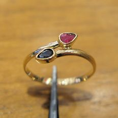 18 kt yellow gold - Ruby and blue sapphire - Size 12