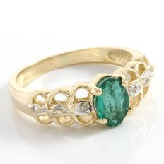 Estate 14kt Yellow Gold Ring  Set with Diamond and Emerald
