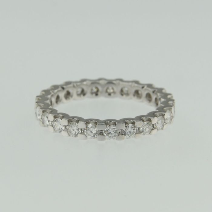 14 kt White gold, full eternity ring ring set with 25 brilliant cut diamonds, in total approx. 1.50 ct,  Top Wesselton, VS-SI - ring size 17.25 (54)