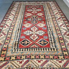Magnificent Anatolian carpet – 185 x 129 – very good condition – with certificate