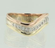 14 kt tricolour gold ring set with 17 brilliant cut diamonds, ring size 16 (50)
