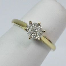 Gold diamond ring (cluster), inner size 17 mm.