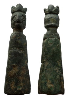 Medieval anthropomorphic strap end with kings head - 36 mm