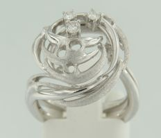19 kt white gold ring set with 3 brilliant cut diamonds - ring size 16 (50)