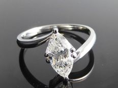 White gold ring set with marquise cut diamond of 0.95 ct